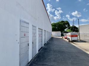 Storage Inn - Photo 5