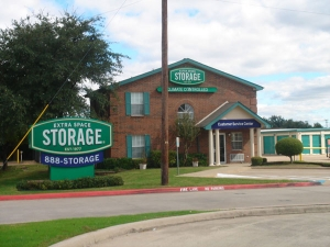 Extra Space Storage - Carrollton - Waypoint Dr