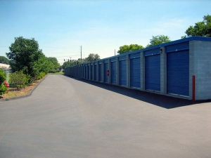 Image of Extra Space Storage - Louisville - Warwick Ave Facility on 8002 Warwick Avenue  in Louisville, KY - View 2