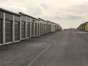 Extra Space Storage - Englewood - Mineral Ave - Photo 2