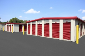SecurCare Self Storage - Indianapolis - W. County Line Rd. - Photo 2