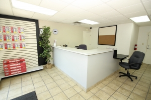 SecurCare Self Storage - Indianapolis - W. County Line Rd. - Photo 5