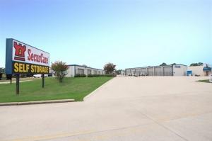 SecurCare Self Storage - Shreveport - Alkay Dr Facility at  2727 Alkay Drive, Shreveport, LA