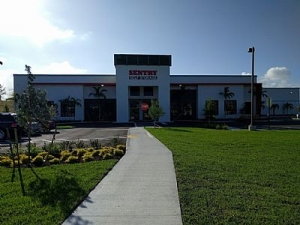 Sentry Self Storage - Deerfield Beach - Photo 2