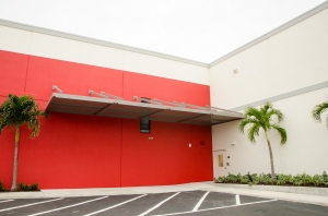 Sentry Self Storage - Deerfield Beach - Photo 8