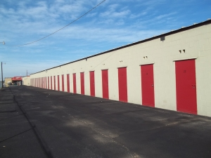 Image of U-Store-It - Amarillo 2328 Facility on 2328 Lakeview Dr  in Amarillo, TX - View 4