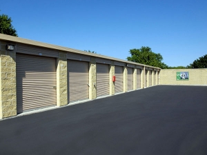 Image of Extra Space Storage - Vernon Hills - Butterfield Rd Facility on 155 Butterfield Road  in Vernon Hills, IL - View 2