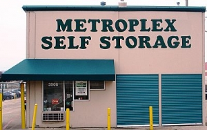 Metroplex Self Storage - Irving - 3906 W Airport Fwy