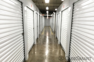 CubeSmart Self Storage - Chicago - 4100 W Diversey Ave - Photo 7