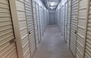 Top Value Storage - 1003 N 38th St. - Photo 4