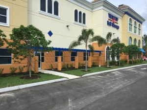 The Lock Up Storage Centers - Estero