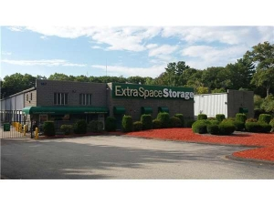 Extra Space Storage - Foxboro - Green St - Rte 106 - Photo 1