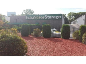 Extra Space Storage - Foxboro - Green St - Rte 106 - Photo 7