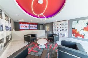 Modern Storage World - Photo 2
