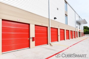 CubeSmart Self Storage - Austin - 6130 East Ben White Boulevard - Photo 10