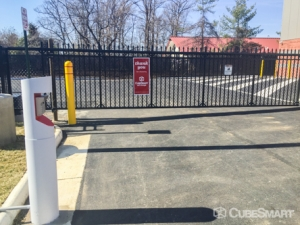 CubeSmart Self Storage - Sterling - 22125 Davis Drive - Photo 4