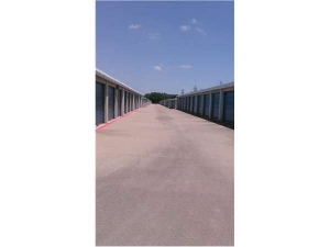 Image of Extra Space Storage - Carrollton - Marsh Lane Facility on 2422 Marsh Lane  in Carrollton, TX - View 2
