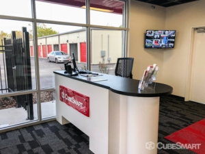 CubeSmart Self Storage - Orlando - 14916 Old Cheney Hwy - Photo 6