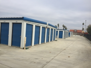 Lions Storage - Photo 3