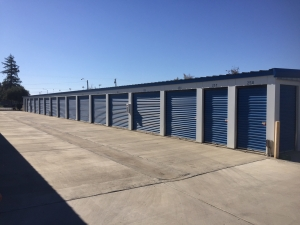 Lions Storage - Photo 4