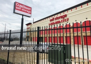 CubeSmart Self Storage - Austin - 2401 E Ben White Blvd