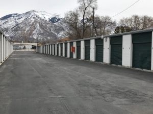 STOCK-N-LOCK SELF STORAGE Ogden Grant Avenue