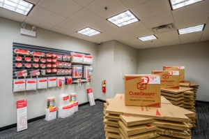 CubeSmart Self Storage - Chicago - 1038 W 35th St - Photo 8