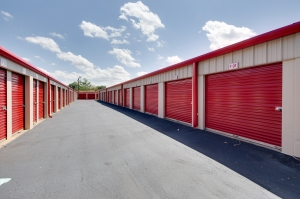 10 Federal Self Storage - 1308 South Point Rd