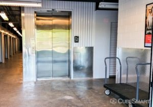 CubeSmart Self Storage - Jacksonville - 45 Jefferson Rd - Photo 2