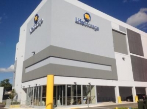 Life Storage - Miami - Northeast 186th Terrace