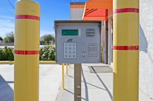 US Storage Centers - Mesa - 1750 N. Country Club - Photo 7