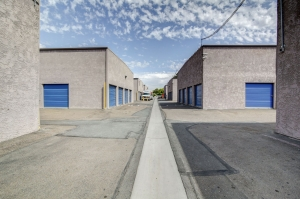 StaxUp Storage - San Ysidro - Photo 6