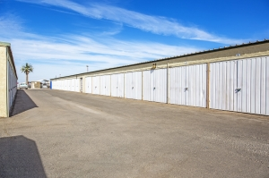 StaxUp Storage - El Centro - Photo 6
