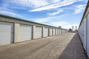 StaxUp Storage - El Centro - Photo 8