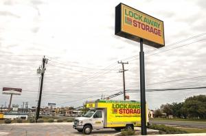Lockaway Storage - Bandera