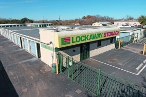 Lockaway Storage - WW White Facility at  2235 South Ww White Road, San Antonio, TX