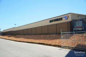 Fast & EZ Self Storage - North Las Vegas - Photo 3
