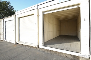 Pasadena Mini Storage - Photo 10