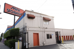 Van Nuys Mini Storage - Photo 8