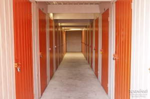 Van Nuys Mini Storage - Photo 18