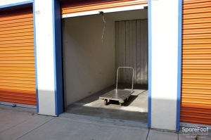 Anaheim Mini Storage - Photo 9