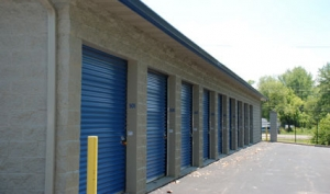 Storage Express - Jeffersonville - 2225 E. 10th St - Photo 7