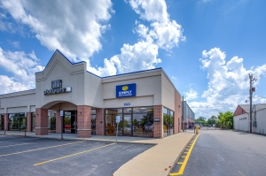 Image of Simply Self Storage - 6123 Highland Road - Waterford Facility on 6123 Highland Rd  in Waterford, MI - View 2