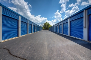 Image of Simply Self Storage - 6123 Highland Road - Waterford Facility on 6123 Highland Rd  in Waterford, MI - View 3