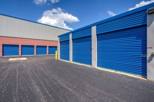 Simply Self Storage - Waterford, MI - Highland Rd - Photo 3