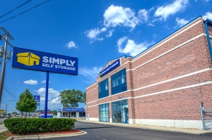 Image of Simply Self Storage - 2325 S Dort Highway - Flint Facility on 2325 South Dort Highway  in Flint, MI - View 2