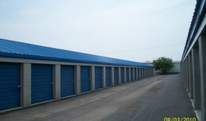 Storage Express - Clarksville - Woodstock Drive - Photo 3