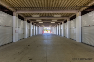 CubeSmart Self Storage - Saint Petersburg - 401 34th St N - Photo 3
