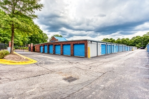 Image of SmartStop Self Storage - Raleigh Facility on 5012 New Bern Avenue  in Raleigh, NC - View 4