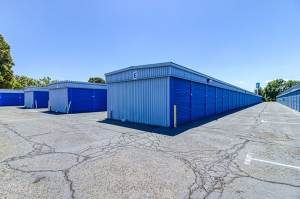 Image of SmartStop Self Storage - Fairfield Facility on 2998 Rockville Road  in Fairfield, CA - View 4